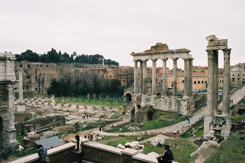Vestiges Du Temple De Saturne Et De Castor Et Pollux